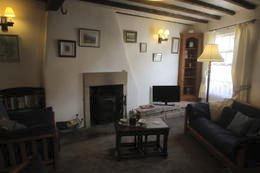 picture of saddlers sitting room